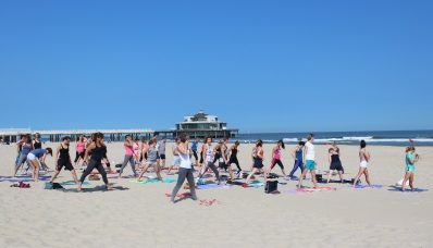 Yoga on da Beach